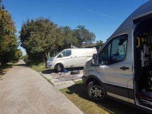 Responding to large transporter van with flat tyre